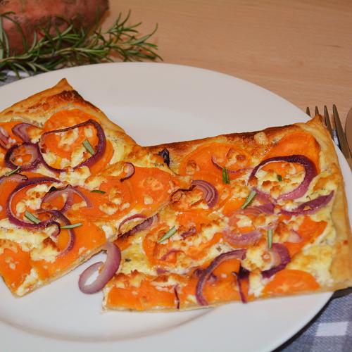 Blätterteigpizza mit Batate