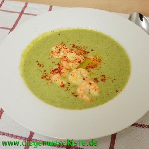 Brokkoli-Kokos-Suppe mit Garnelen