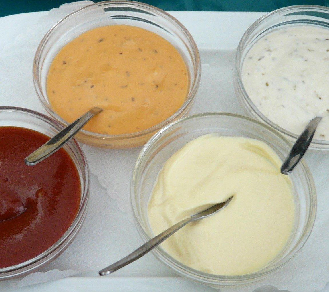 Dips und Saucen
