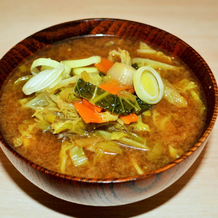 Miso-Suppe mit Wirsing