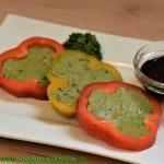 Paprika mit Avocado-Füllung