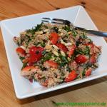 Quinoa-Erdbeer-Salat mit Rucola