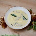 Shiitake-Salbei-Suppe mit Grießklößchen