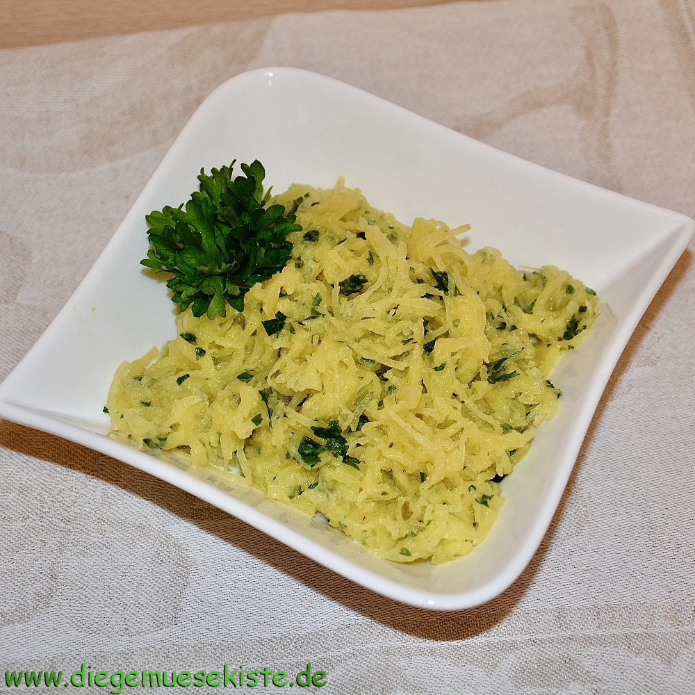 Spaghetti-Kürbis mit Petersilie
