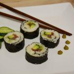 Sushi mit Gurke und Thunfisch