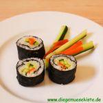 Sushi mit Möhre und Gurke