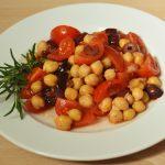 Tomatensalat mit Kichererbsen