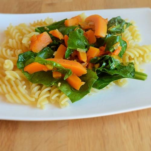 Muskatkürbis-Mangold-Sauce mit  Senf